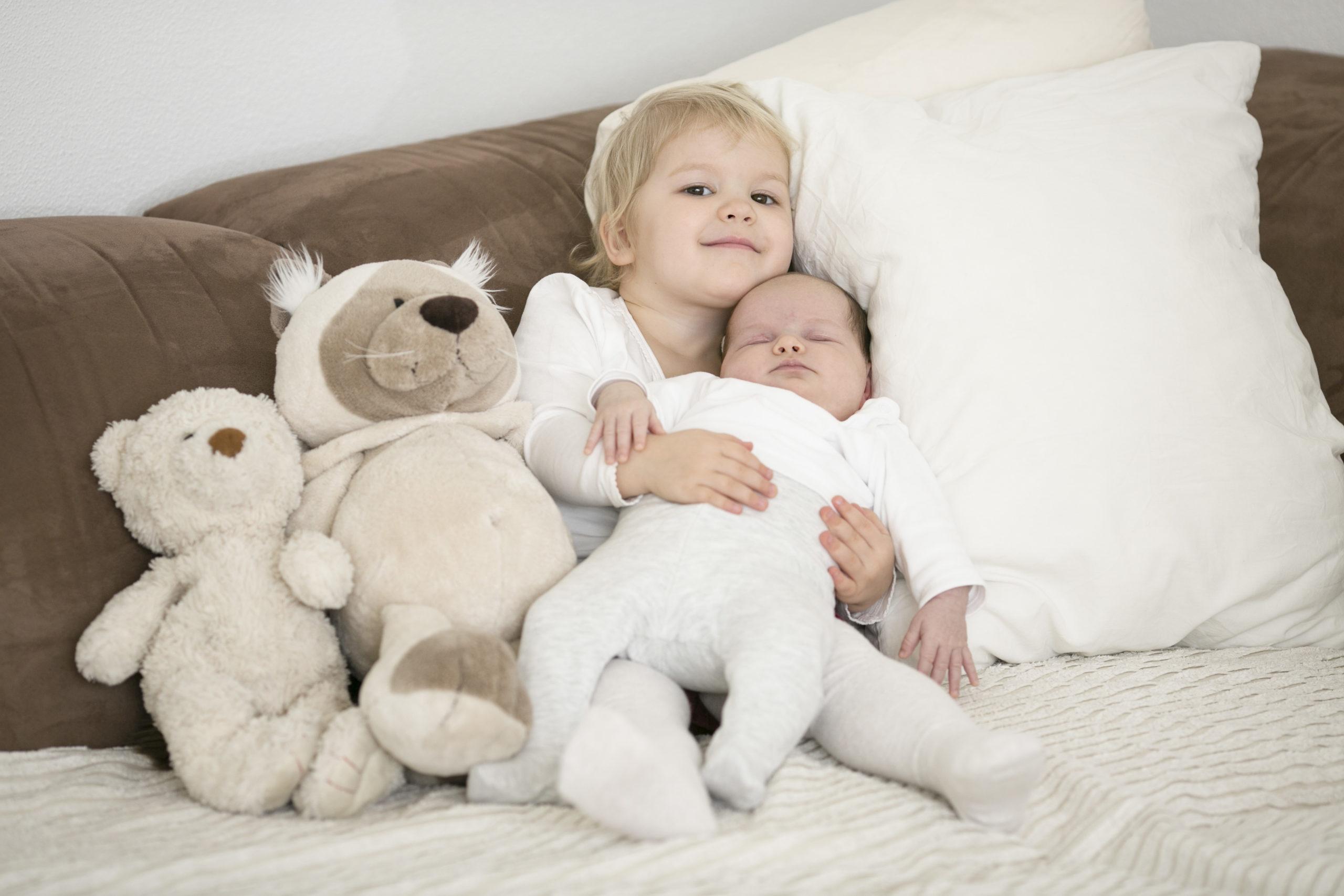 EH Fotografie Babyfotografie Geschwisterliebe